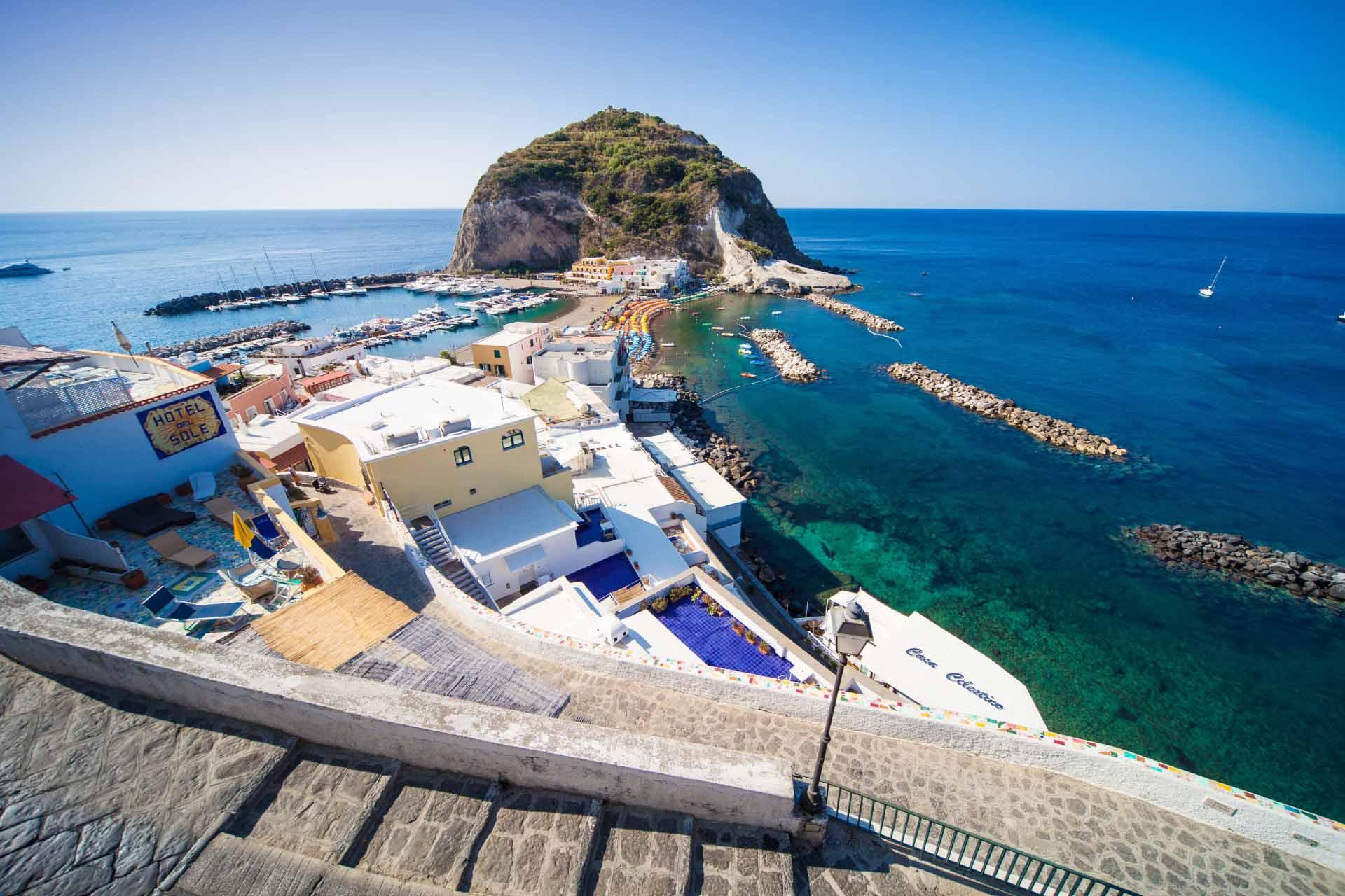 Scopri Sant'Angelo, il paradiso a Ischia