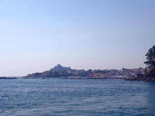 Ischia escursioni in barca giro dell'isola pranzo e bagno 2